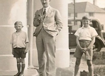 R.M.Pearce with his children c1934